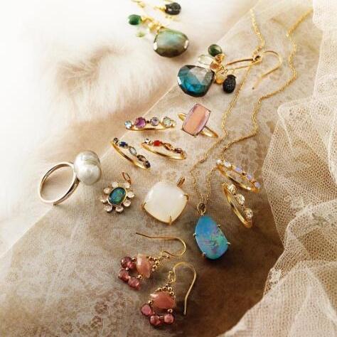 轻珠宝点亮你的daily look,层层叠戴的古典与甜美