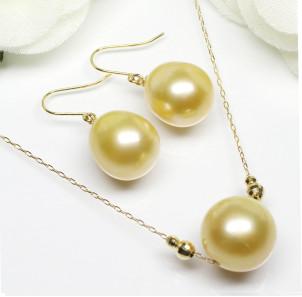 南洋白蝶珍珠 K18 珍珠首饰套装(10mm白蝶珍珠项链+9mm白蝶珍珠耳坠)