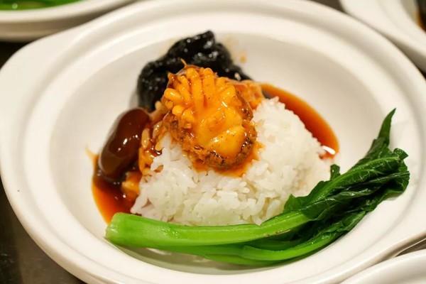 海鲜酒店畅吃主题食谱助阵豫园上海万丽晚餐海鲜捞饭自助刺身鲍鱼海鲜小视频图片