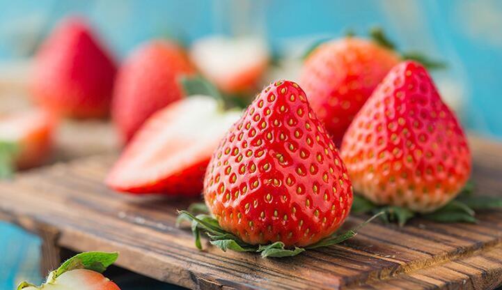 易果生鲜 国产红霞草莓 1盒 400g