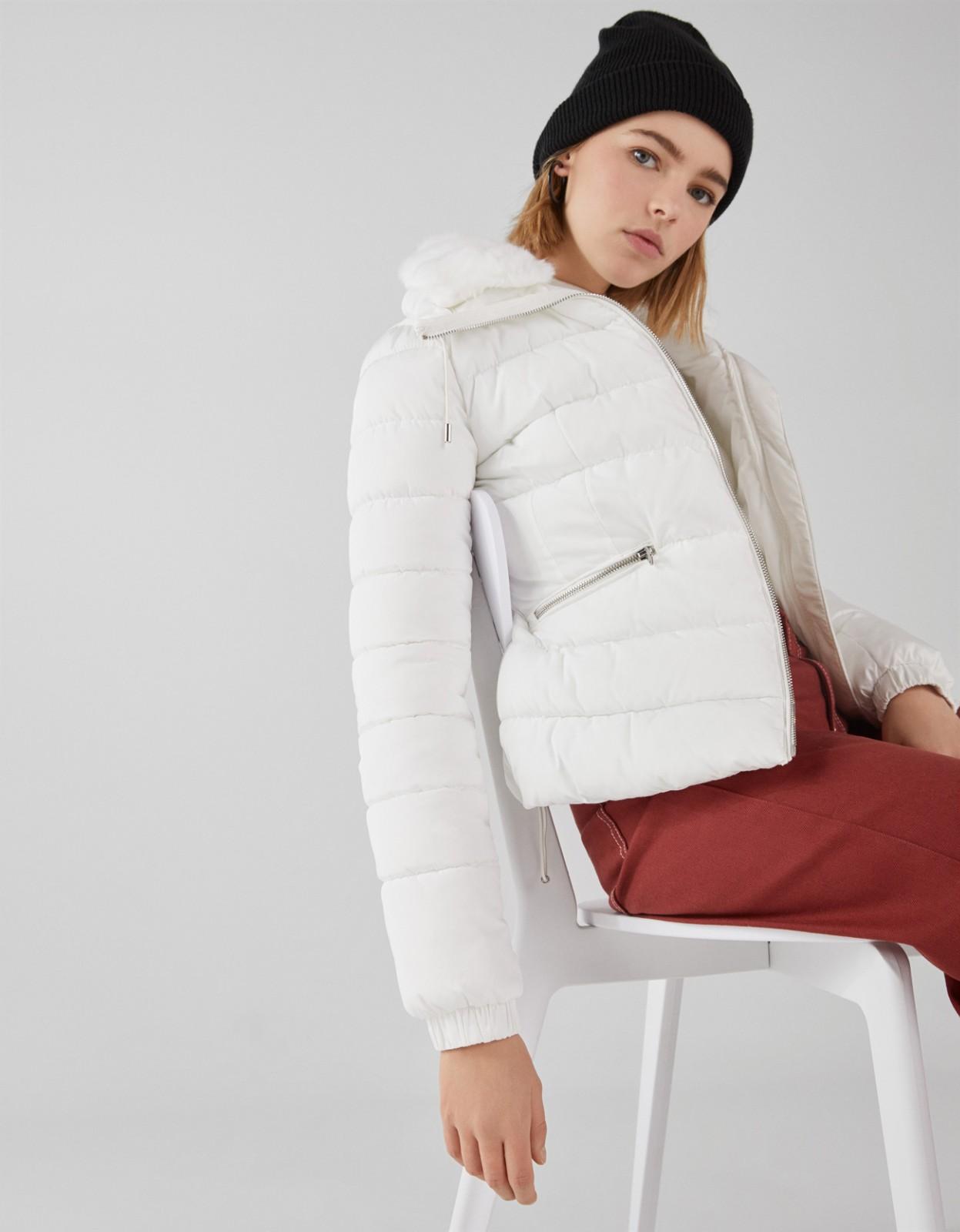 Bershka 巴适卡 06334085251 女士保暖短外套