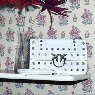 PINKO LOVE IDILLIO系列 1P21BNY5F8 女士珍珠铆钉镶嵌装饰燕子包