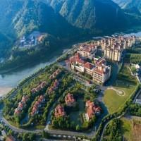 无边泳池被翠绿群山环绕,人气亲子酒店!安吉君澜度假酒店1-2晚套餐
