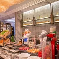 吃貨福利 : 牛羊排主菜二選一,還有米其林同款美味!上海萬達瑞華酒店半自助午餐