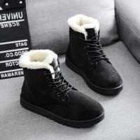 雪地靴冬季加绒加棉女靴中筒短靴
