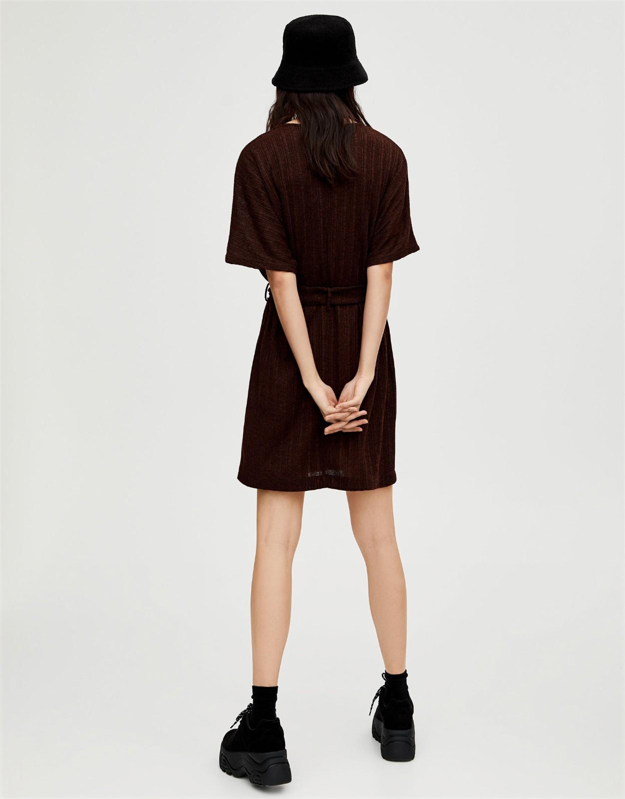 PULL&BEAR 09393396 女士收腰法式连衣裙