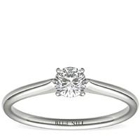 银联爆品日:Blue Nile 1/3克拉14k 白金小巧单石订婚戒指
