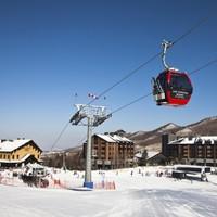 世界滑雪大獎滑雪場!萬科松花湖度假區 青山公寓二期1晚+雙人雪票+雙人午餐