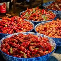秘制糟卤小龙虾够销魂!8种网红口味畅吃!上海金桥红枫万豪酒店 小龙虾主题自助晚餐