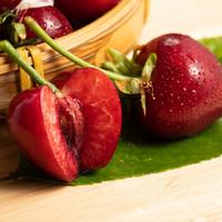微信端:新鲜大樱桃 超值果子 中果 带箱4斤(净重3斤装)