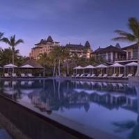海南雅居乐莱佛士酒店 翠雅居园景房2晚(含每日早餐+每日迷你吧+定制晚餐1次+活动)