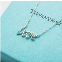 Tiffany&Co. 蒂芙尼  26401402 LOVE字母吊坠项链