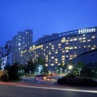 南京世茂滨江希尔顿酒店 希尔顿双床房1晚(含早餐+赛车乐园畅玩)