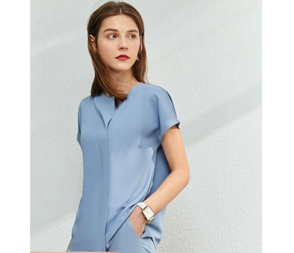 AMII 12060073 女士V领雪纺衫