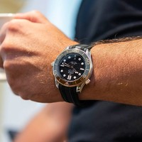 OMEGA 欧米茄 海马系列 210.22.42.20.01.001 自动机械潜水男表