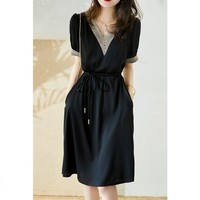 连衣裙2021新款女夏季V领拼接时尚镂空系带宽松显瘦连衣裙 XL 黑色