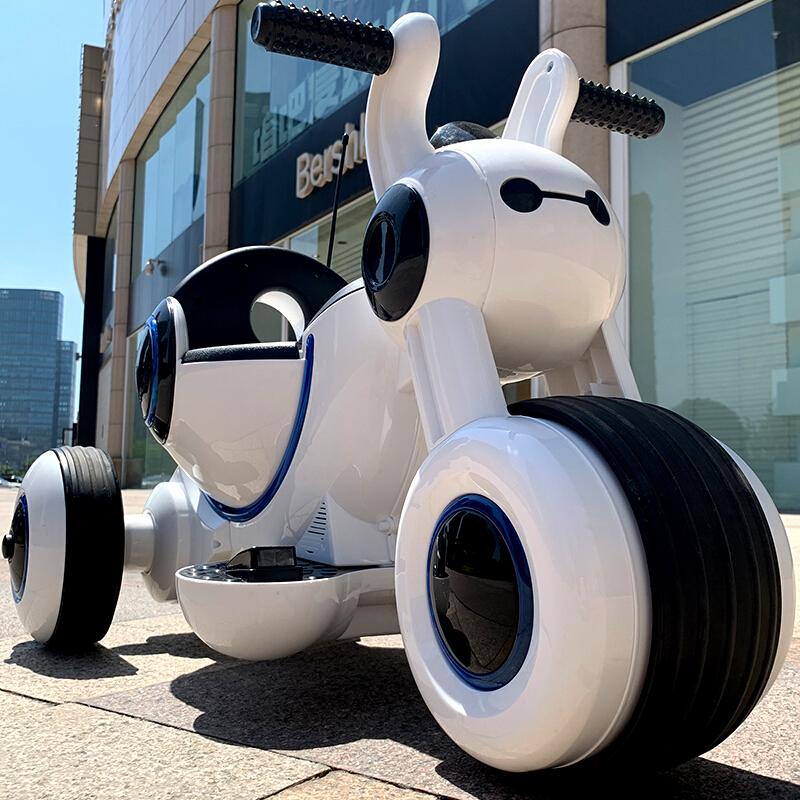 笑娃娃儿童电动车摩托车三轮太空车可坐人宝宝童车电瓶车婴儿玩具车白色