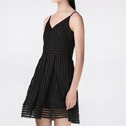 Haute Monde 黑色网眼吊带A型裙