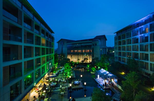 溧阳天目湖维景国际温泉酒店亲子房1晚+两大一小早餐+竹海门票