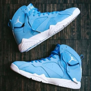 "AIR JORDAN 7 RETRO ""UNIVERSITY BLUE"" 男款篮球鞋"