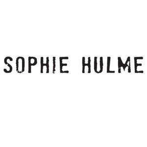 SOPHIE HULME/索菲·休姆