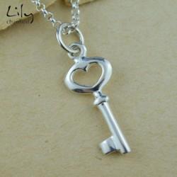 Lily charmed 925银 钥匙吊坠项链