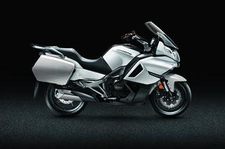 CFMOTO 春风 650TR-G 尊享版 摩托车