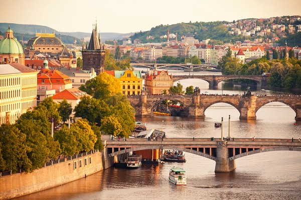 全国多地-捷克布拉格13天(含往返机票+首晚酒店)