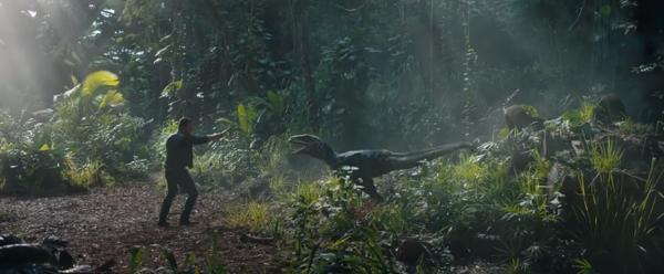 ▲《侏罗纪世界》中的人气恐龙——迅猛龙Blue