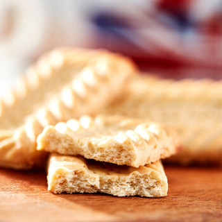 Mcvitie's 麦维他 全麦饼干 爵士纪念礼盒装 475g