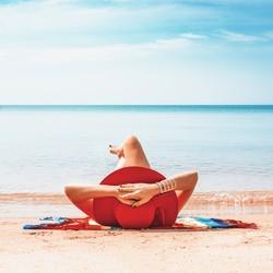 最完美的地中海岸线!阳光、沙滩、终年温暖、色彩绚烂,还有爱晒日光浴的西班牙人...