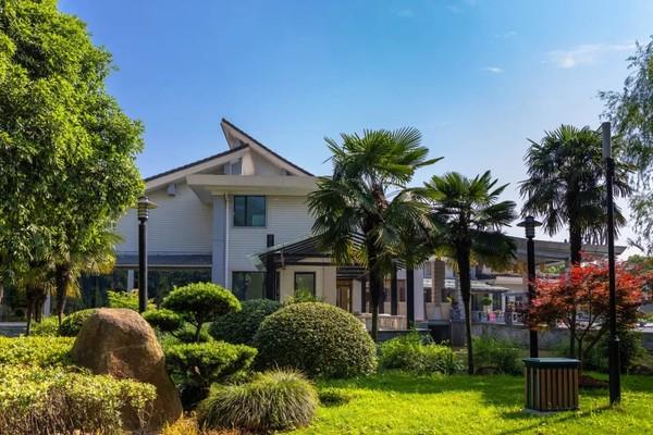 私家园林式酒店,群山环绕负氧离子爆棚!杭州陆羽君澜度假酒店1-2晚+早晚餐