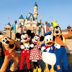 香港愉景湾酒店1晚+迪士尼乐园2大1小门票套餐(含早+迪士尼免费接驳巴士)