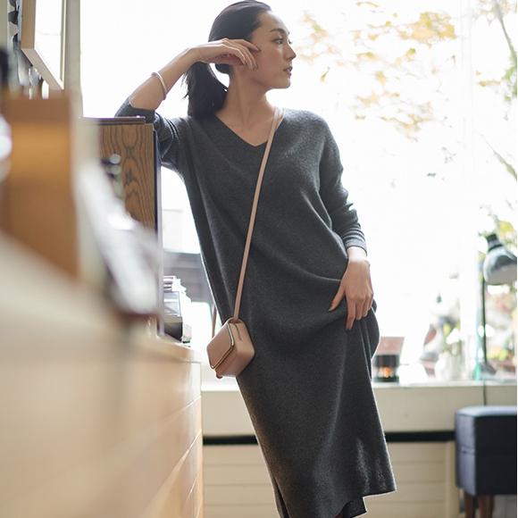 UNIQLO 优衣库 413240 罗纹V领针织连衣裙