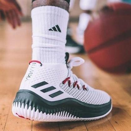 历史低价:adidas 阿迪达斯 Dame 4 AC8646 男子实战篮球鞋