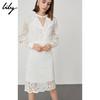 Lily秋新款女装白色蕾丝镂空机车领修身连衣裙118359C7927 359元
