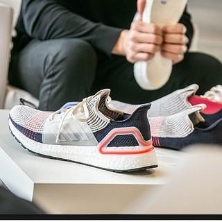 历史低价 :  adidas 阿迪达斯 UltraBOOST 19 B37707 男子跑步鞋