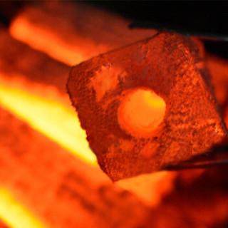 尚烤佳 烧烤碳 环保无烟果木炭  烧烤燃料 无烟木炭 火柴 机制条形空心木碳5斤