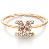 glam ever 你的专属系列 MR1401M 英文字母M锆石指环 (1.5cm、金色)