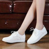 卡帝乐鳄鱼 CARTELO 时尚平底女百搭舒适日常休闲小白鞋出行坡跟防滑 KDL998 白色 37码