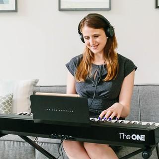 移动专享 : The ONE 壹枱 智能钢琴 61键电子琴