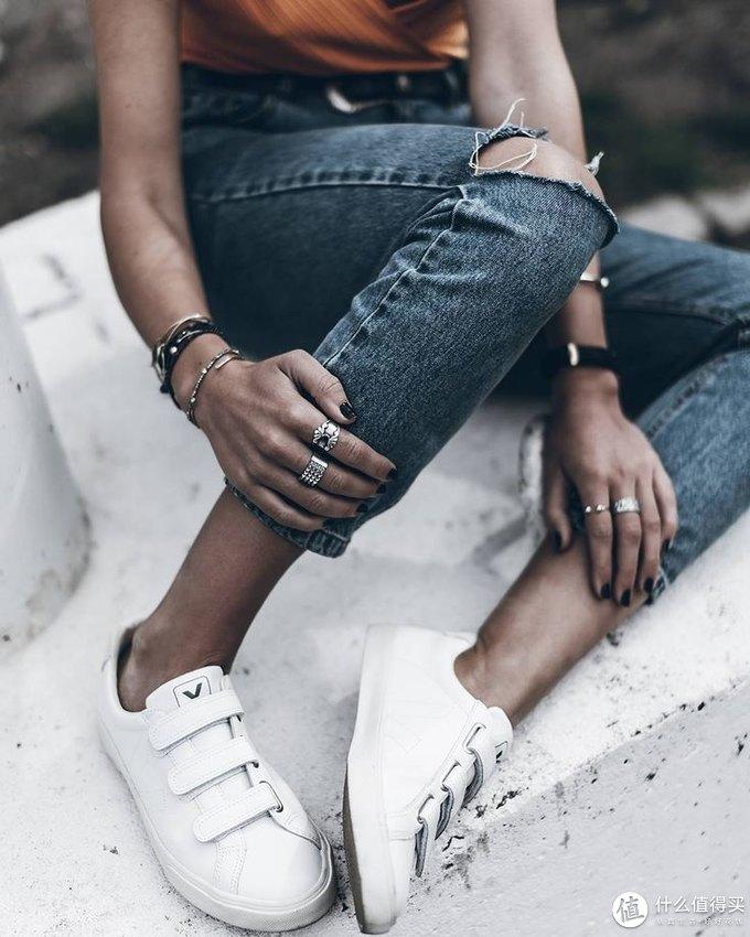 mini种草记   Vol.45:这双穿出去不会撞款的小白鞋,为何明星们都愿意为它免费代言?