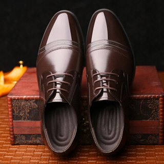 Dahongying 大红鹰 皮鞋男青年商务正装漆皮亮皮系带尖头时尚百搭DHY9927 棕色 40
