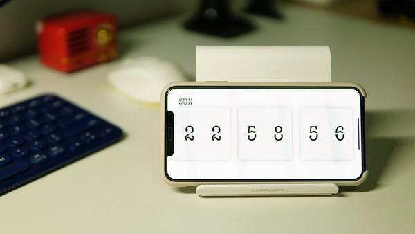 时间的精致展现,《小时钟》iOS全屏数字翻页钟