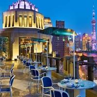 上海苏宁宝丽嘉酒店 豪华露台大床房1晚套餐 含双早+双人下午茶