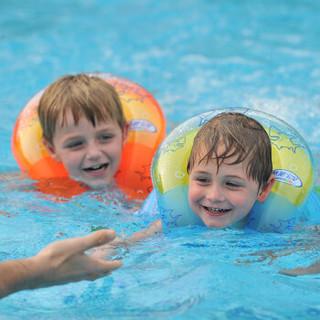 吉龙 儿童成人游泳圈  蛇形游泳圈 浮圈戏水玩具 L码 彩色款(适用于16岁以上初学游泳、戏水)