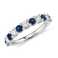 Blue Nile Luna 密钉蓝宝石与钻石铂金戒指