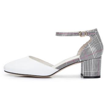 CAMEL 骆驼 女士 柔软牛皮摩登圆头方跟单鞋 A82843689 白色 39
