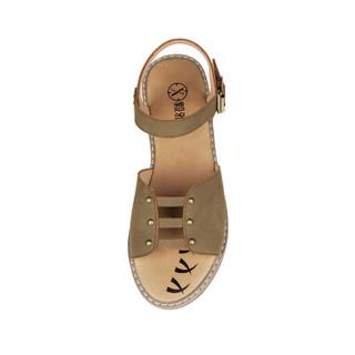 YIYA 毅雅 平底简约金属装饰一字扣带罗马女凉鞋 223328 卡其色 39