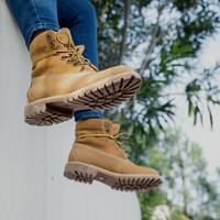 J.ZAO 京东京造 100001051547 女士马丁靴